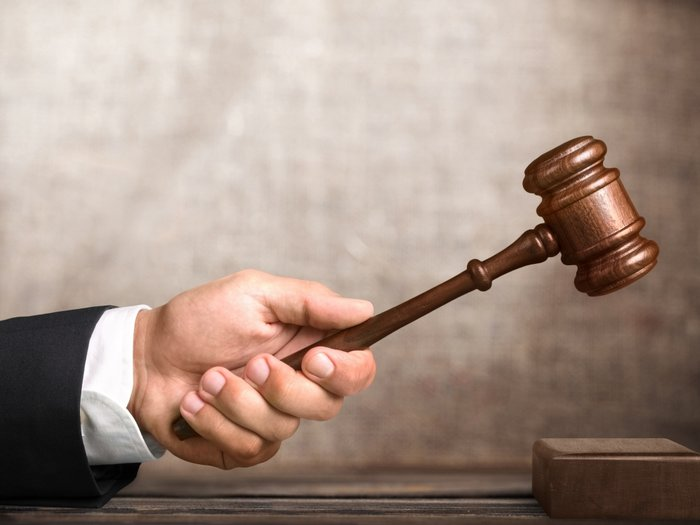 Последствия чтения заговоров на победу в суде