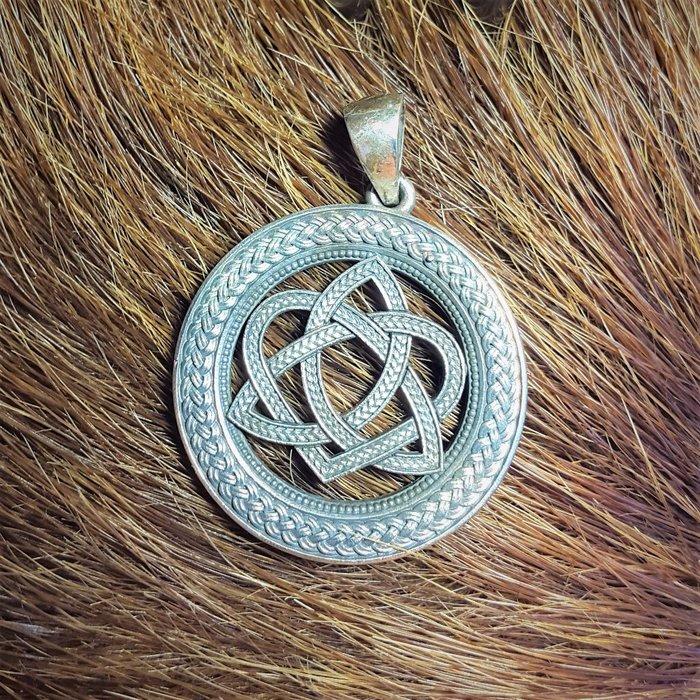 Кельтский любовный узел