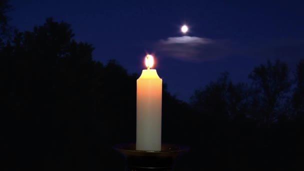 Заговор в полнолуние на свечу