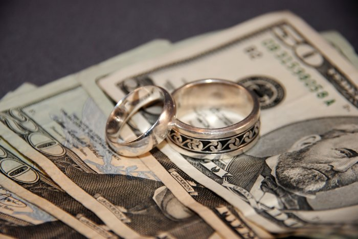 Заговор на кольцо на деньги