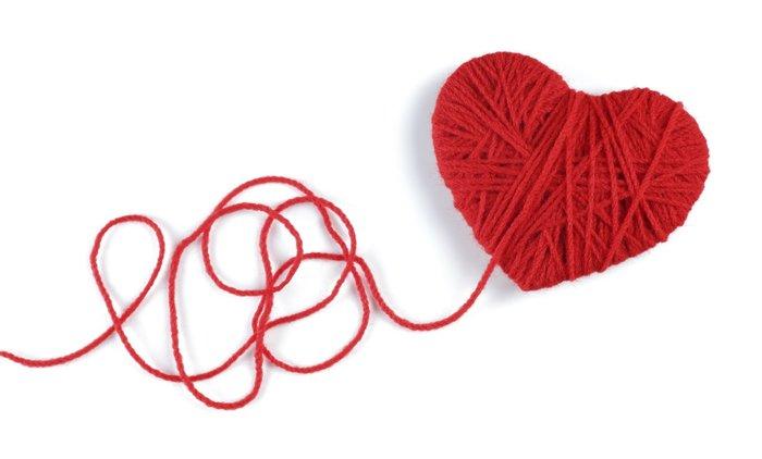 Заговор на красную нить на любовь