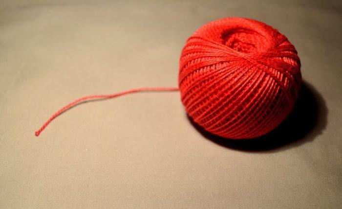 Красная нить - часть денежного обряда