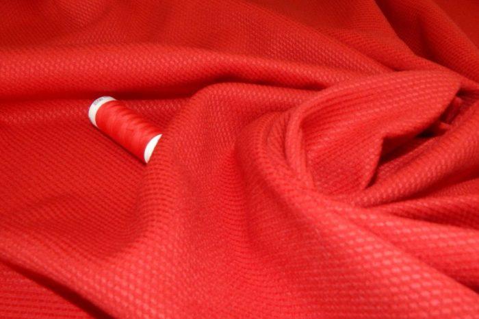 Красная ткань - часть целебных заговоров