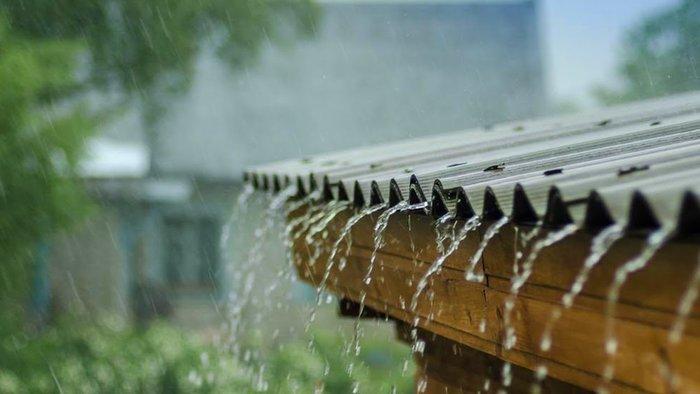 Крыша под дождем