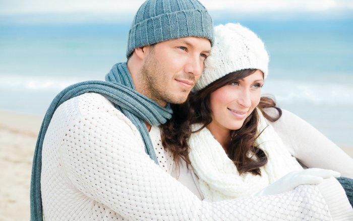Муж и жена в шапках