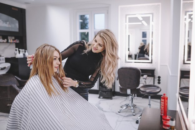 Профессиональный парикмахер