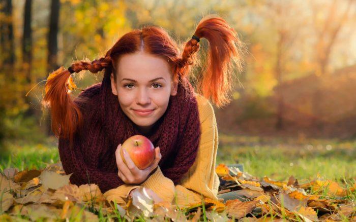 Заговоры и обряды на любовь на яблоко