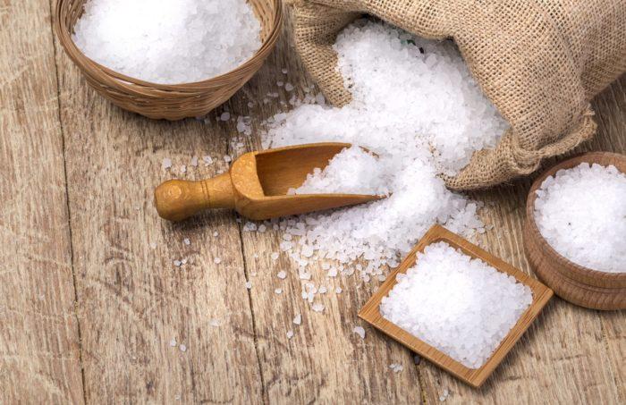 Соль - элемент заговора на булавку